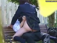 学校帰りの学生カップルが公園で対面座位をしながら青春を満喫中