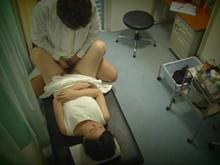 麻酔医師の鬼畜盗撮 眠らせた女性患者の股を開いて黙々と腰を振る