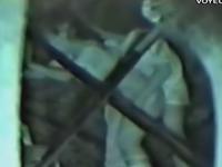 林の中に隠れて立ちバックで青姦をしている素人カップルを暗視盗撮