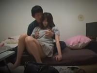 彼女の部屋に設置した隠しカメラで素人カップルのセックスを盗撮