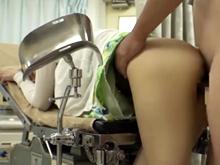 人妻を犯し放題の変態産婦人科医!今日も診察中に痴漢レイプで膣内射精
