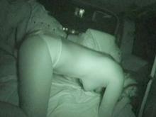 真っ暗な車内で悶えるヤリマン妻を撮影!深夜のカーセックス
